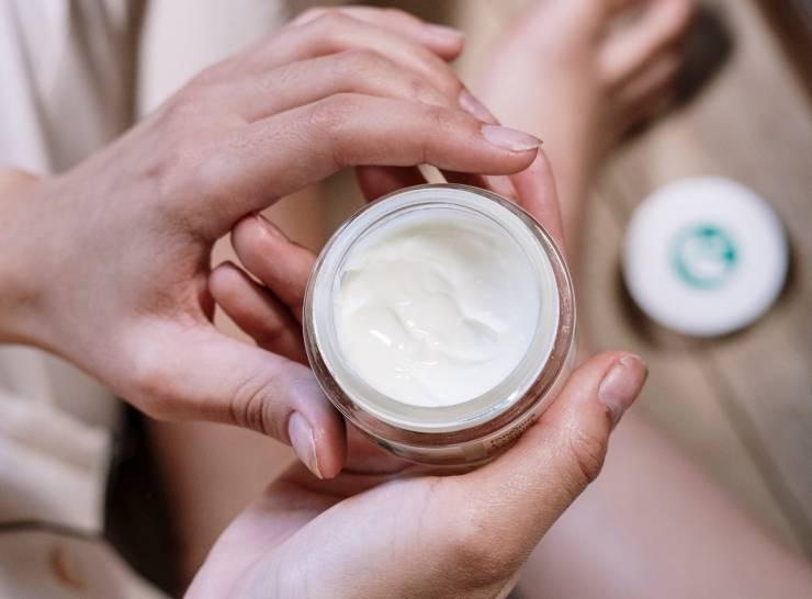 crema antirughe per donne con 40 anni